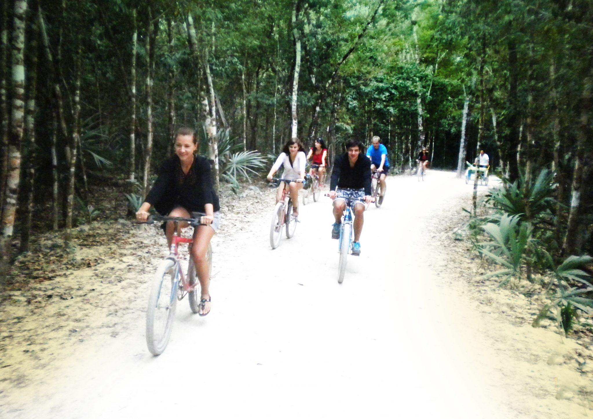 05 nasza grupa na rowerach - Meksyk śladami Majów