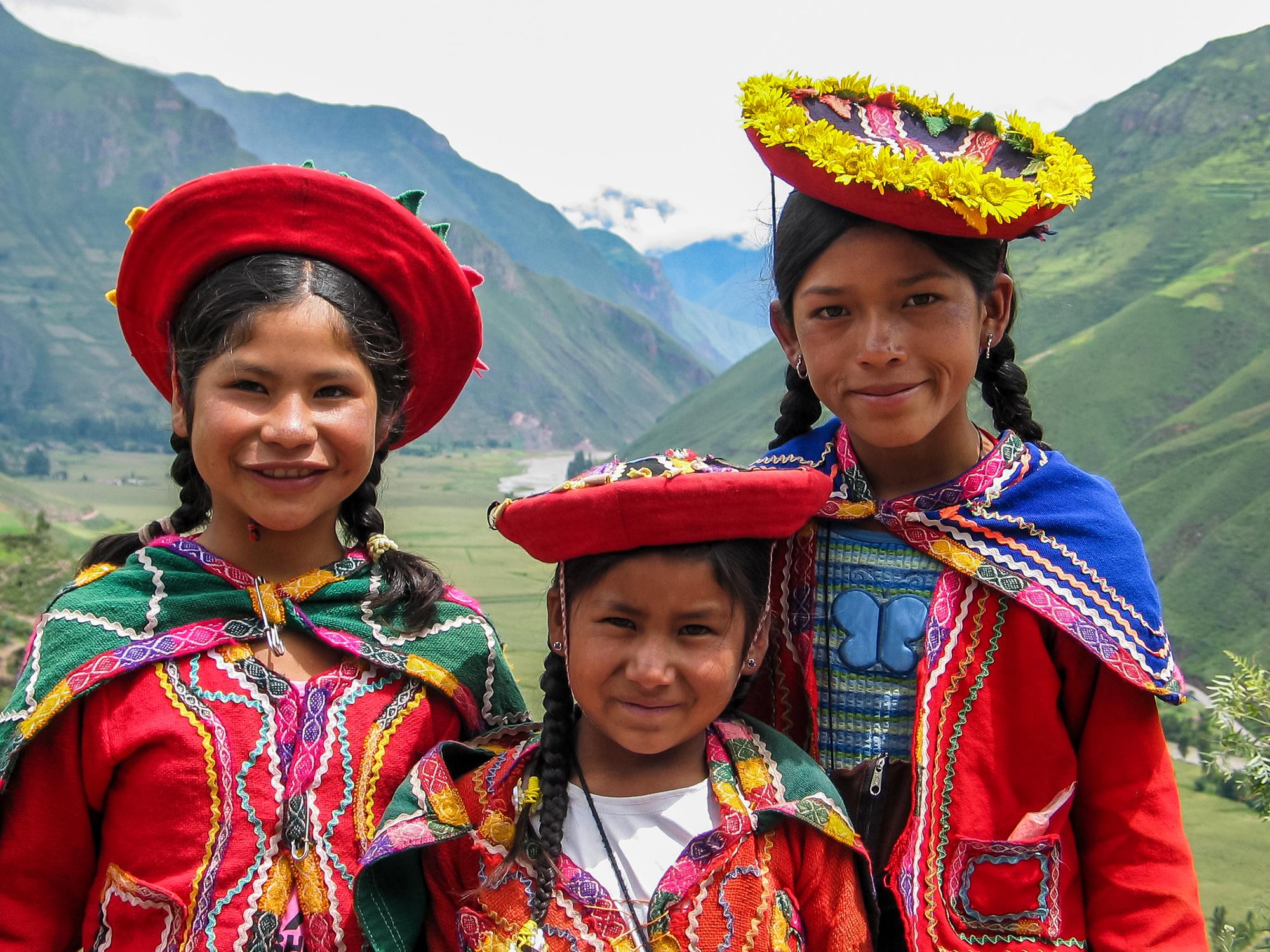 mieszkancy w strojach - Peru- kraj Inków- informacje ogólne
