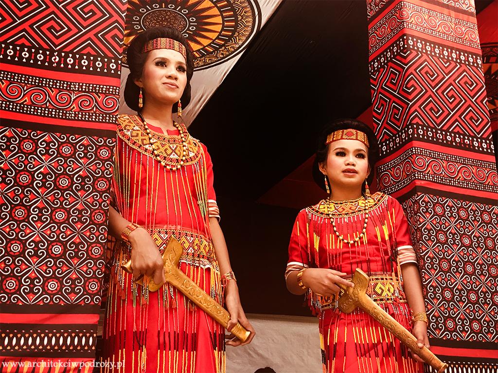 15 - Sulawesi ( Celebes)