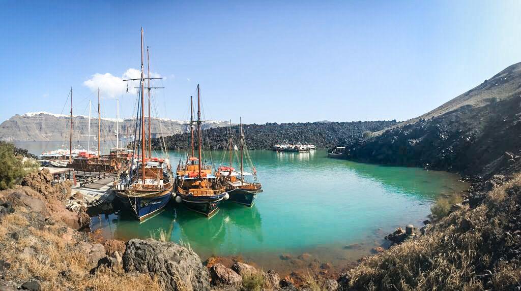 120872772 - Greckie Santorini w listopadzie